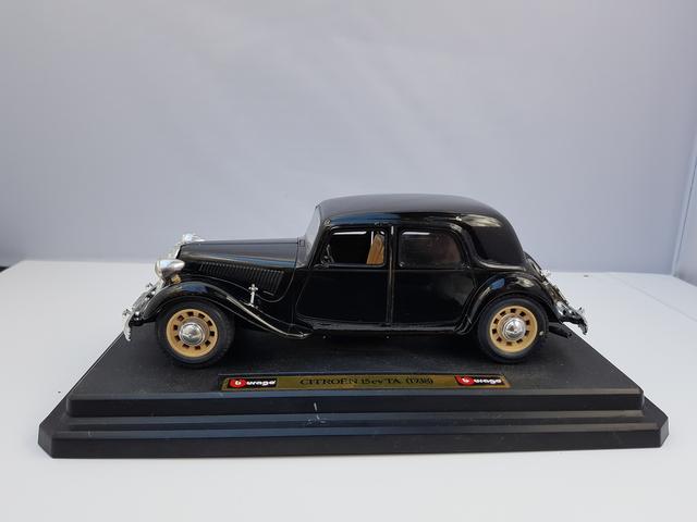 Citroën 15cv TA (1938) – Bburago